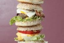 メガ盛りハンバーガー
