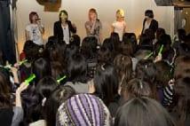 新大久保の「会いに行ける」韓流アイドル・KINOに大行列