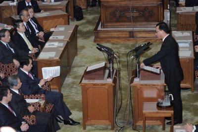 菅氏と谷垣氏の党首討論の様子
