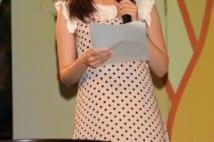 前田健太 女子アナ婚約者の膝上20cm超ミニがまぶしすぎる