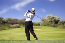 ゴルフ好きには夢の暮らし ゴルフのできる庭や、ゴルフ場併設住宅地