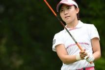 横峯さくらと練習に励む美人ゴルファー 来季シード権は濃厚