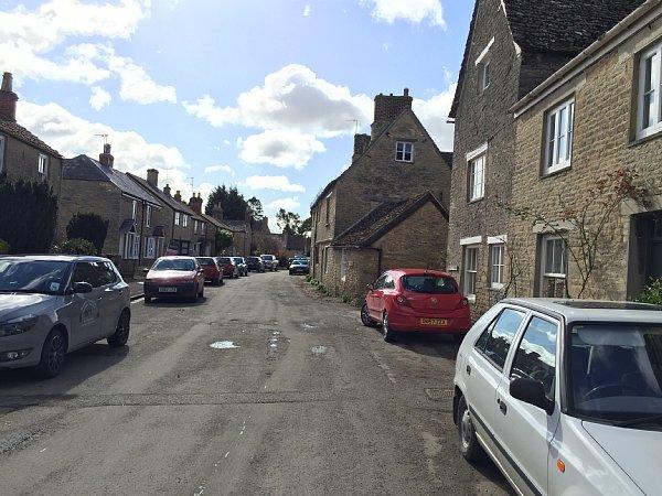 英国ロンドン郊外の田舎町でも不動産が高騰中