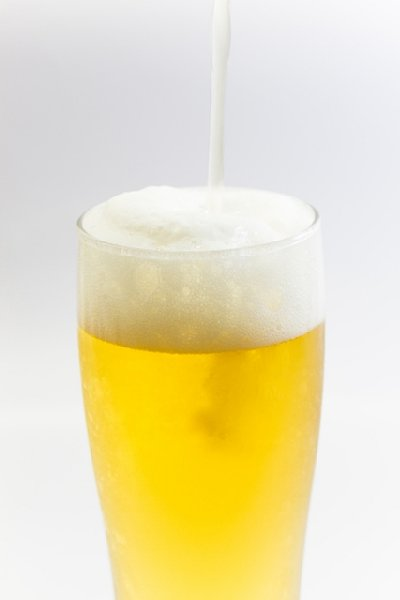 日本のビール税は世界的に見て高すぎ?