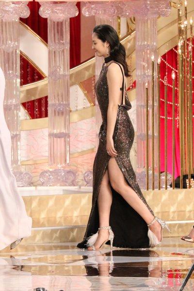 日本アカデミー賞の美女たち 大胆ドレスの長澤まさみ