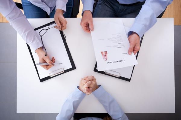 アルバイトの面接時は「メモ取り」が重要
