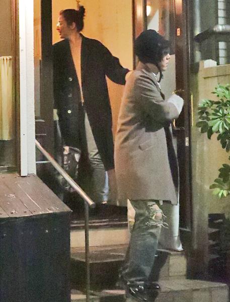 長澤まさみ RAD野田洋次郎とベトナム料理店で会食|NEWSポストセブン