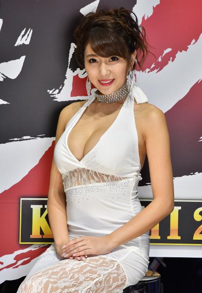 【東京ゲームショウ2017美女図鑑5】二度見必至の白ドレス