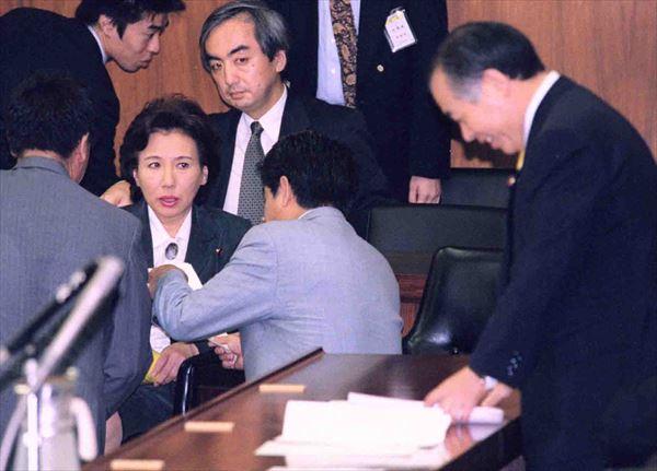 田中眞紀子氏と鈴木宗男氏の確執はワイドショーまで巻き込んだ騒動に 共同通信社