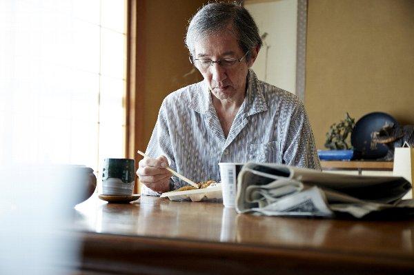 高齢者の独り暮らしに逆風が(写真はイメージ)