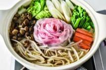 娘も野菜をたくさん食べてくれるという中華風鍋