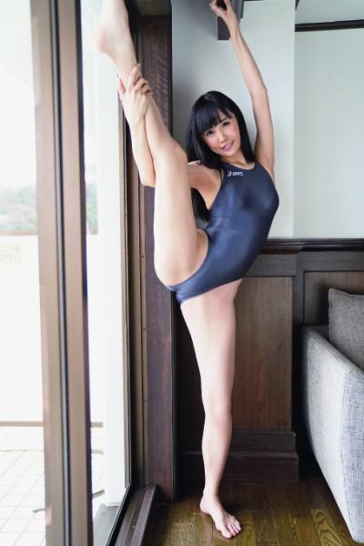 稲森美優(『競これ─競泳水着これくしょん─』(デジタル出版)より)