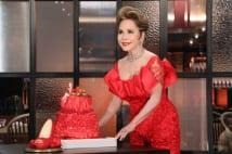 紀州のドン・ファンと毎日喋っていたデヴィ夫人、ケーキを推す
