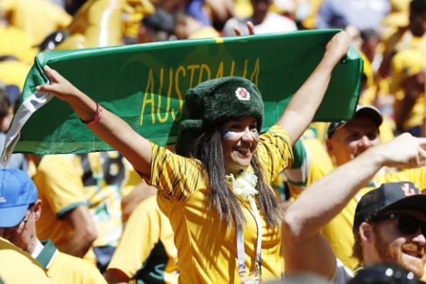 オーストラリア美女も応援(写真/フォート・キシモト)