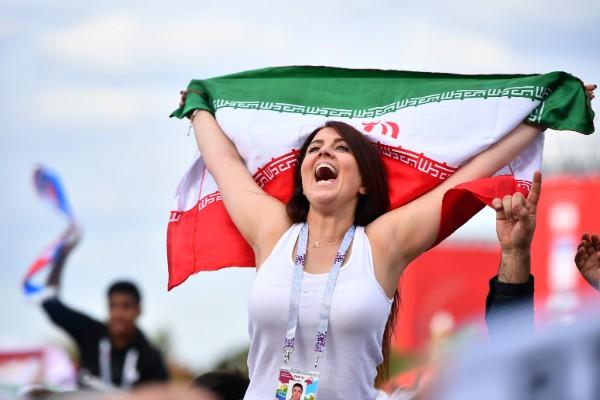 イランのサポーター(Hector Vivas/gettyimages)