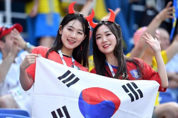 韓国美女も応援(写真/Witters/フォート・キシモト)