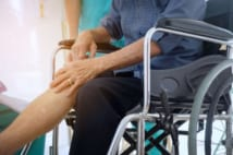 認知症の祖母が病院で骨折!悔やみきれないその理由とは?