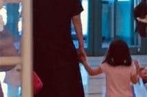 広末涼子 3才の娘とともに地元高知へ「よさこい」里帰り撮