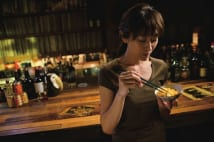 山田優「リノベーションで対面キッチンに。手早く料理できるようになりました」【映画『食べる女』インタビュー】