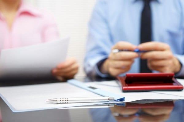 弁護士への離婚相談は早まるな(写真/アフロ)