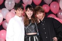 渡辺美奈代が2人の息子の前で49才の膝上20cmミニスカ披露