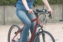 W不倫を認めた阿部哲子アナ、自転車で颯爽と走る写真5枚