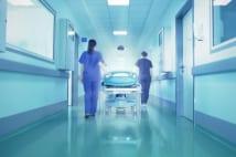 再発直腸がんの「重粒子線治療」手術に比べて効果が期待できる