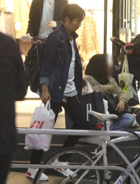 NON STYLE石田 H\u0026M、GAPで双子の娘の服爆買い撮|NEWSポストセブン
