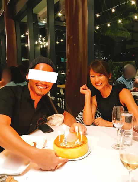 Aさんの誕生日を友人たちとお祝いした美恵子さん(2018年9月)