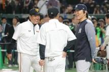 昨年の日米野球では原辰徳監督と松井秀喜氏が談笑する姿も見られたが(写真:時事通信フォト)