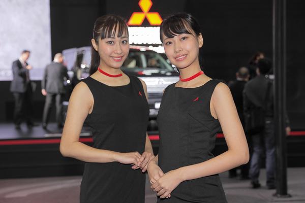 「東京オートサロン2019」三菱自動車ブースのコンパニオン