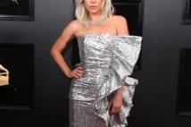 レディー・ガガ、100カラットのダイヤ&圧巻ドレスで魅了!