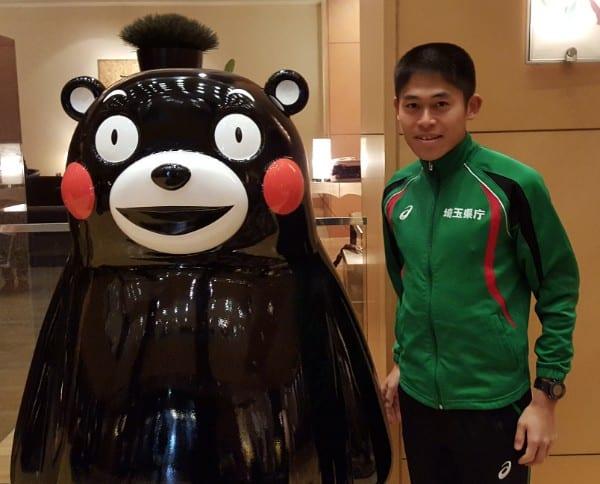熊本でのレース後、くまモンとパチリ