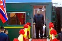 金正恩「ベトナム行き列車」 スナイパー同乗でカラオケ完備
