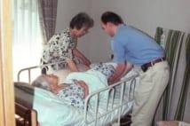 ベテランケアマネは見た!介護がうまくいく家族、いかない家族の実例
