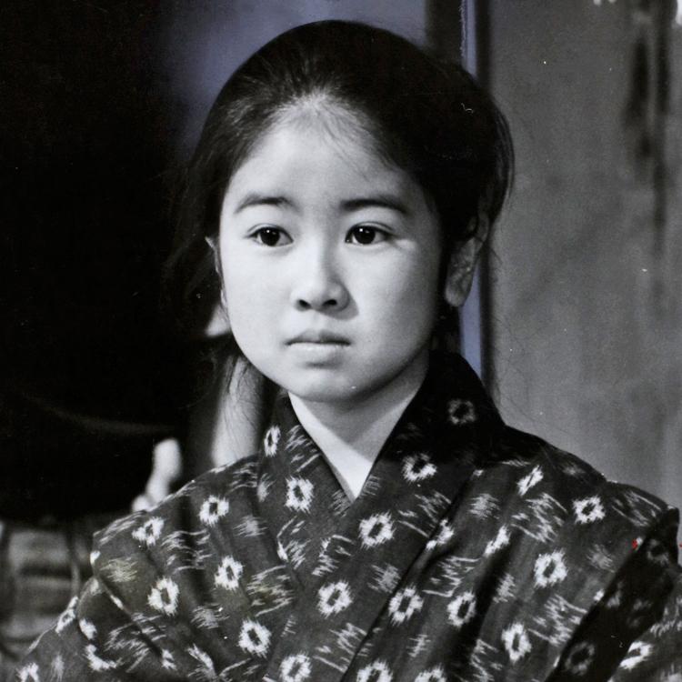 小林綾子 画像