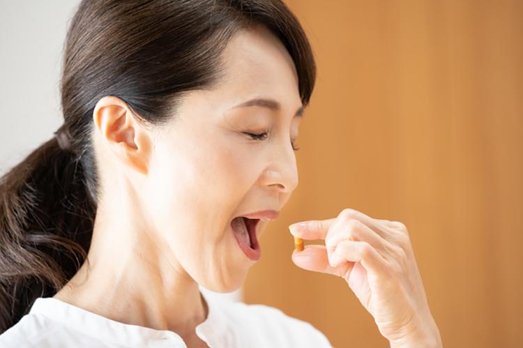 日本人は薬を飲みすぎ! 充実した保険と「念のため」の弊害か