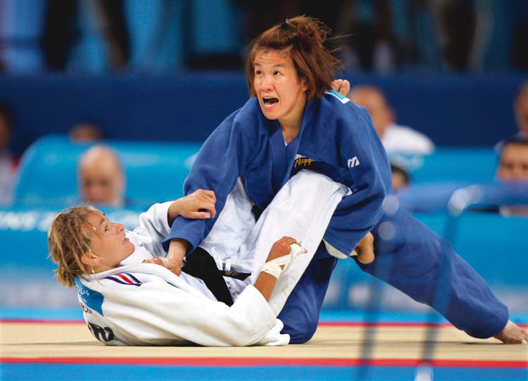 アテネ五輪金メダルの瞬間(REUTERS/AFLO)