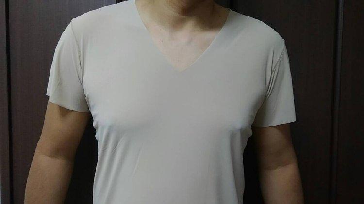 メンズ肌着もベージュが増えてきた(ユニクロ『エアリズムシームレス』)