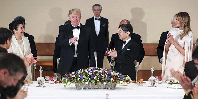 晩餐会での天皇皇后両陛下、トランプ大統領&メラニア夫人(撮影/JMPA)