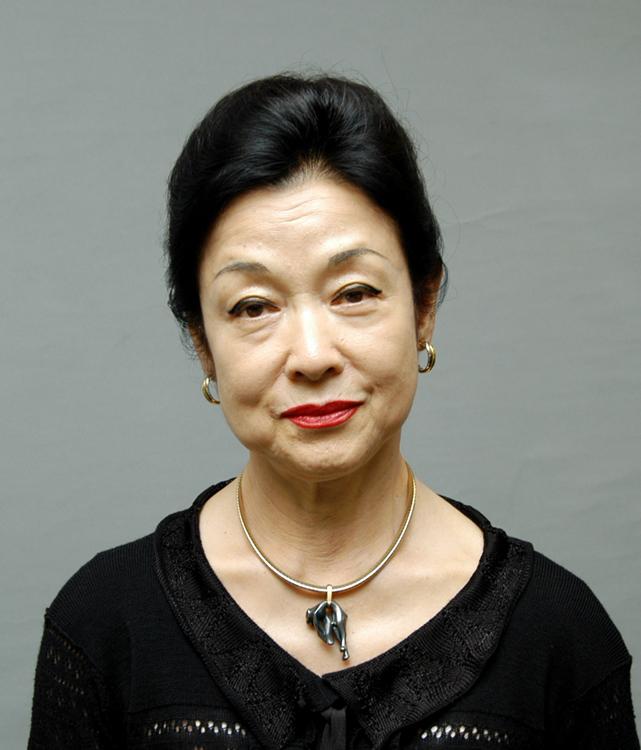 女優の若尾文子(時事通信フォト)