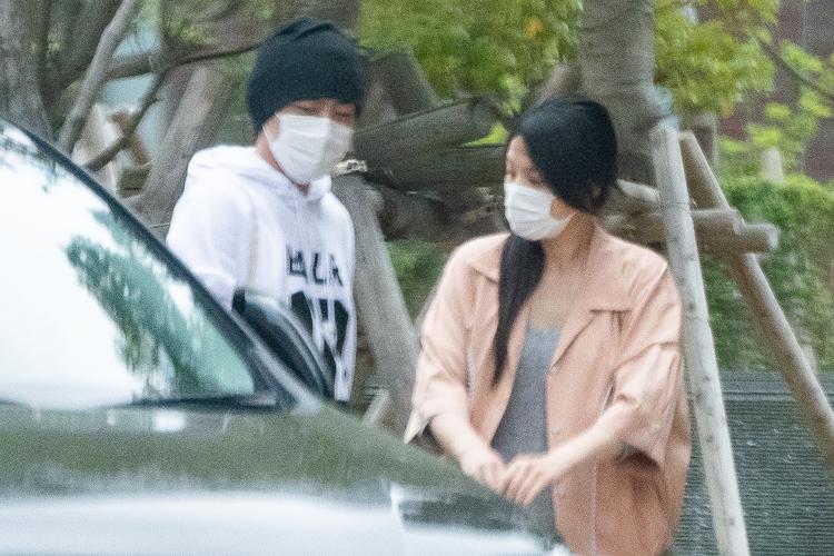 交際が報じられていた芦名星と小泉孝太郎(昨年5月)
