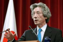 2005年、郵政解散を宣言した小泉氏(共同通信社)