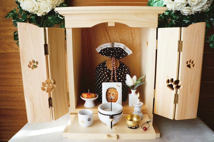 こちらはオーダーメイドの高級白木仏壇