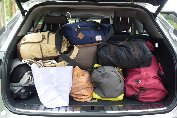 小旅行なら6人分の荷物はすべて詰めるラゲッジスペース