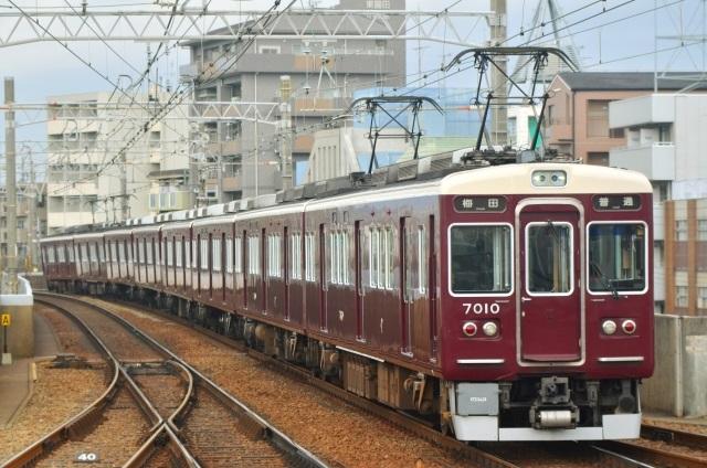阪急電鉄中吊り炎上騒動は「私鉄ナンバーワン給与」の産物か NEWS ...