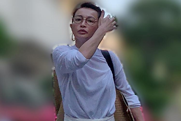 長谷川京子 娘のお迎えで見せた魅惑のシースルー姿|NEWSポスト