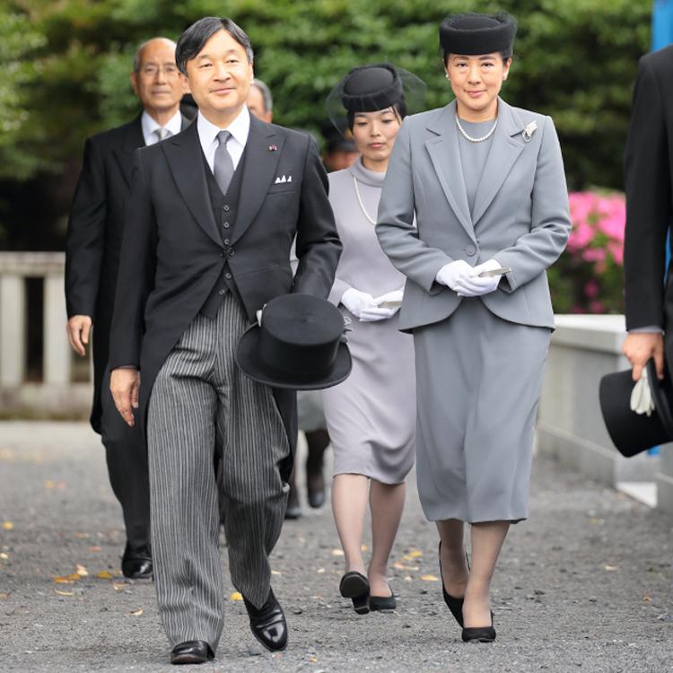 鮮烈デビューの皇后雅子さま 紀子さまと明暗分かれた|NEWSポストセブン