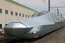 JR東日本の新型新幹線「ALFA-X」の1号車(時事通信フォト)