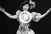 日本武道館で行われた歌手の山口百恵さんのさよならコンサート(東京・千代田区)